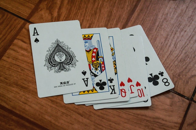 How can you pick the best online casino slot?
